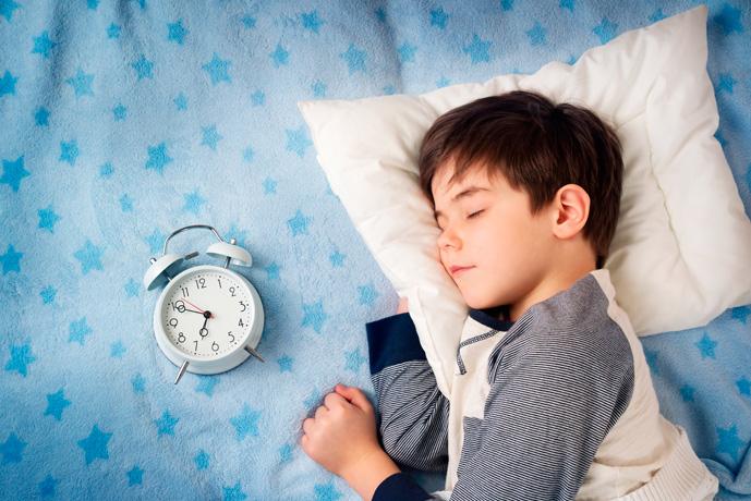 Plan dnia w żłobku – co i o której godzinie będzie robiło Twoje dziecko